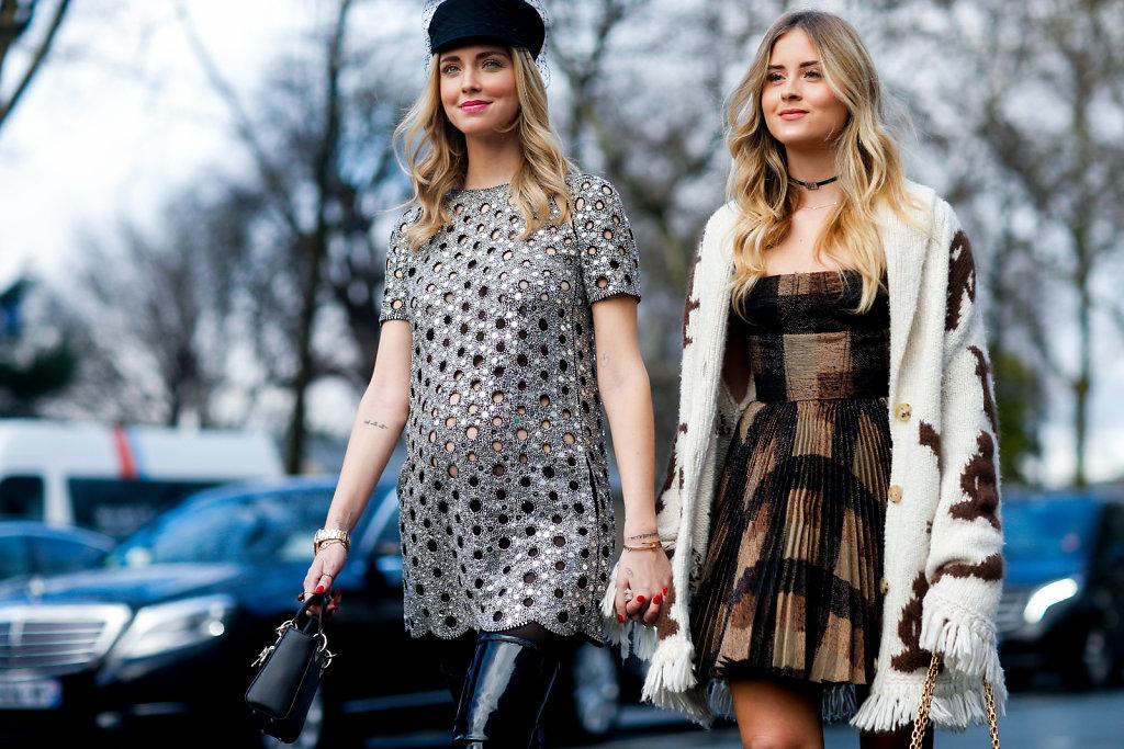 Chiara-Ferragni-and-Valentina-Ferragni-Paris-Fashion-Week-Haute-Couture-SS18-3.jpg