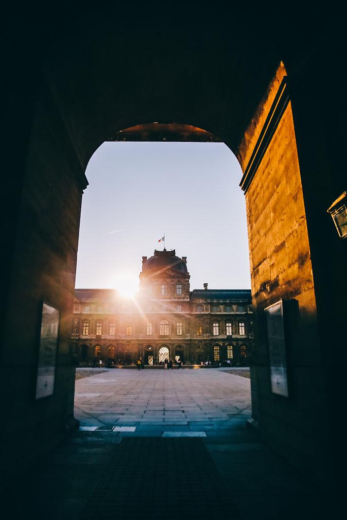 Louvre-coucher-de-soleil.jpg